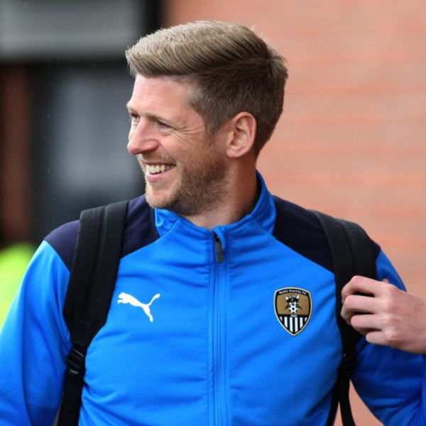 Inside the treatment room: Watch Jon Stead's acupuncture session